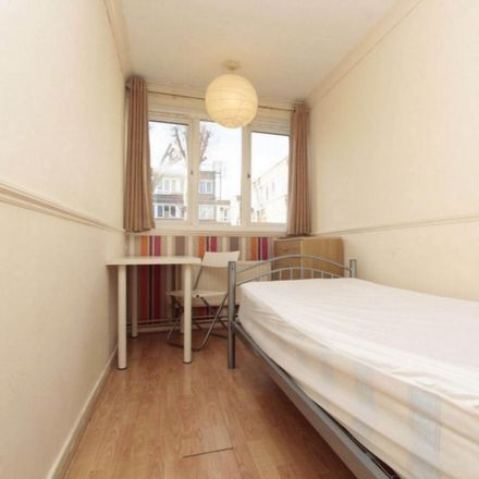 Rent this 4 bed room on 363 Commercial Road in London E1 2PS, United Kingdom