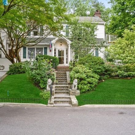 Rent this 4 bed house on 8 Lincoln Avenue in Town of Greenburgh, NY 10502
