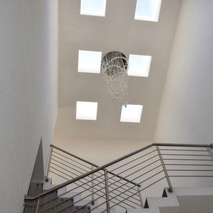 Rent this 4 bed apartment on Condesa Juriquilla in Delegaciön Santa Rosa Jáuregui, 76100 Cumbres del Lago