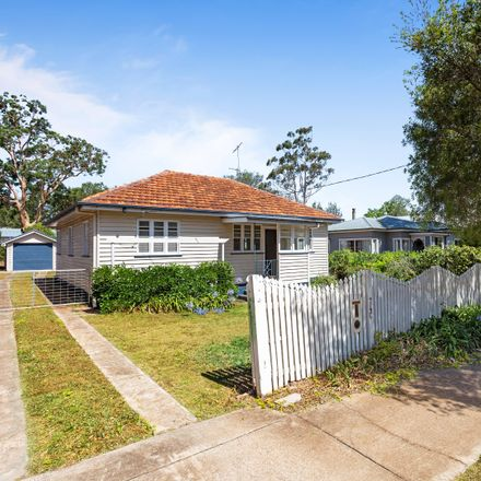 Rent this 3 bed house on 74C Mackenzie Street
