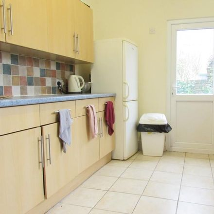 Rent this 5 bed house on St. Peter's in Playfair Road, Portsmouth PO5 1EQ