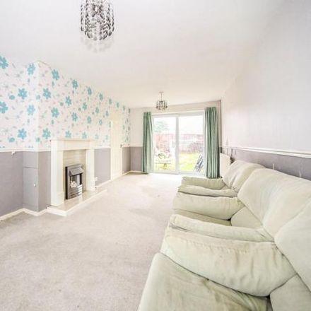 Rent this 3 bed house on Sundon Road in Houghton Regis LU5 5NN, United Kingdom