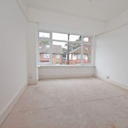 Rent this 1 bed apartment on Hawthorn Crescent in Portsmouth PO6 2TP, United Kingdom