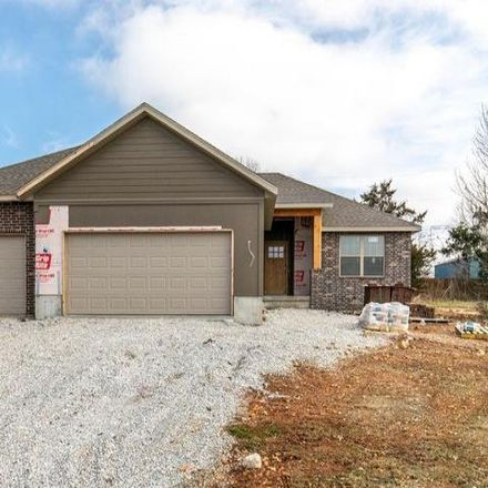 Rent this 3 bed house on East Warren Avenue in Ozark, MO 65721