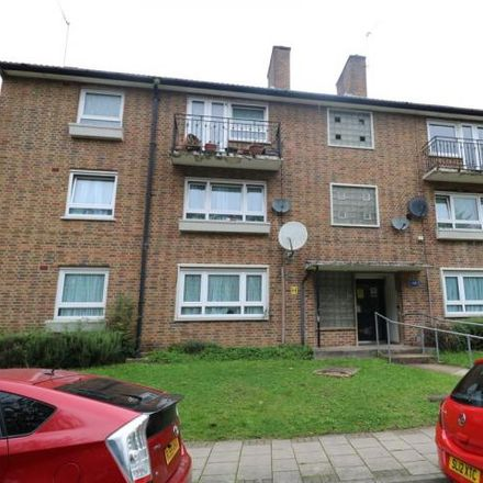 Rent this 2 bed apartment on Stonegrove Gardens in London, HA8 7TG