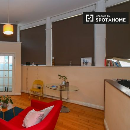 Rent this 1 bed apartment on 1a Avondale Park Road in London W11 4HL, United Kingdom