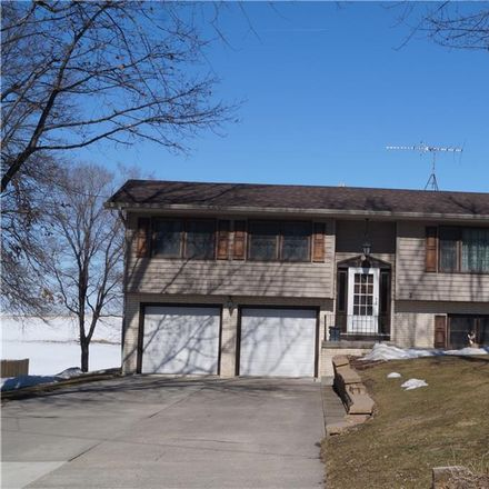 Rent this 3 bed house on 3832 North 4th Avenue East in Newton, IA 50208