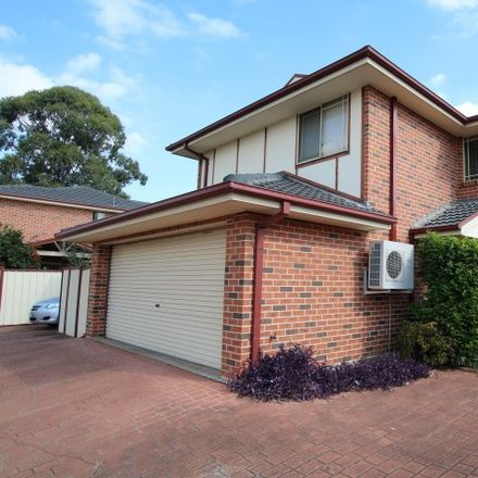 Rent this 3 bed townhouse on 3/16 Blenheim Avenue