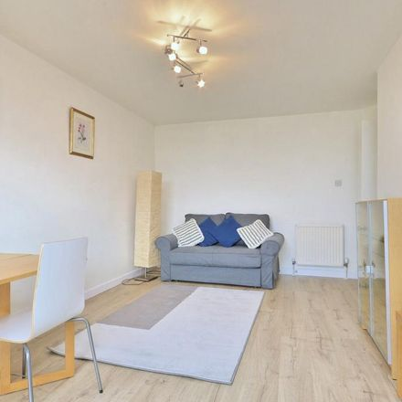 Rent this 1 bed apartment on Leeward Court in Asher Way, London E1W 2JF