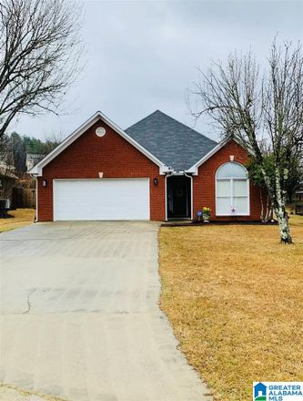 Rent this 2 bed house on 4408 Ridgeland Drive in Gardendale, AL 35071
