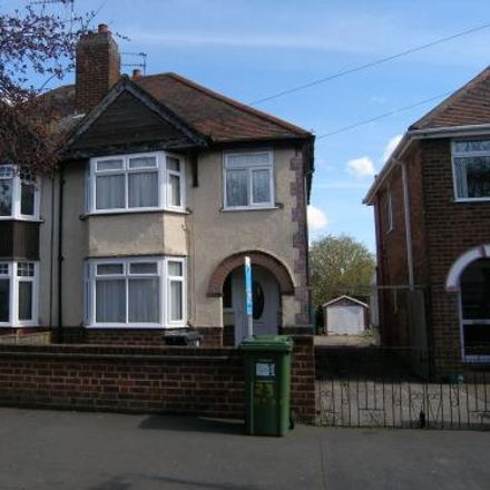 Rent this 4 bed house on Northway in Warwick CV31 2AS, United Kingdom