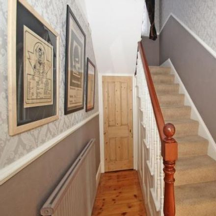 Rent this 3 bed house on Nisa Local in 12, 13 Upton Road