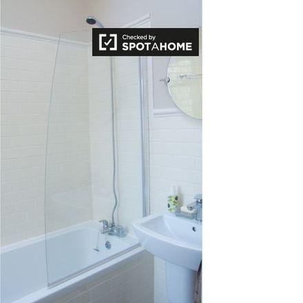 Rent this 2 bed apartment on Irish UN Veterans HQ in Mount Temple Road, Arran Quay E ED