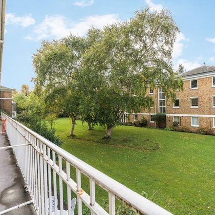 Rent this 4 bed house on Cranleigh in 33 Champion Hill, London SE5 8BS