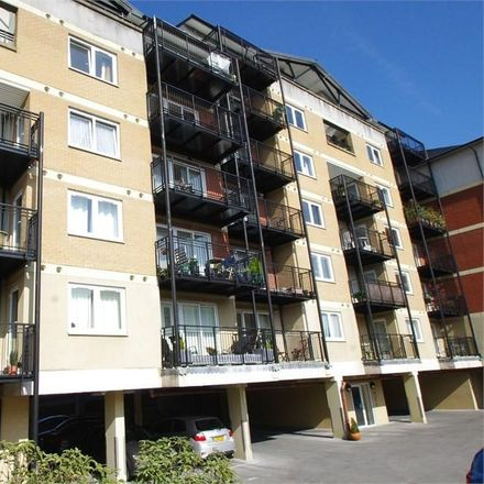 Rent this 2 bed apartment on Solomons Hill in Three Rivers WD3 1GY, United Kingdom