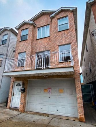 Rent this 7 bed duplex on Oxford Ave in Jersey City, NJ