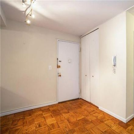 Rent this 1 bed condo on 27 Lake Street in White Plains, NY 10603