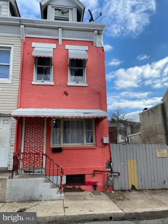 Rent this 3 bed townhouse on 233 Mulberry Street in Reading, PA 19604