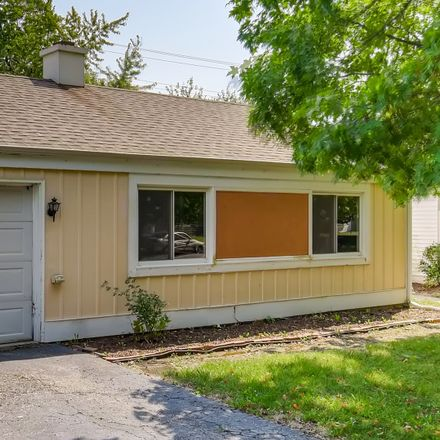 Rent this 3 bed house on 25 Sonora Drive in Boulder Hill, Oswego