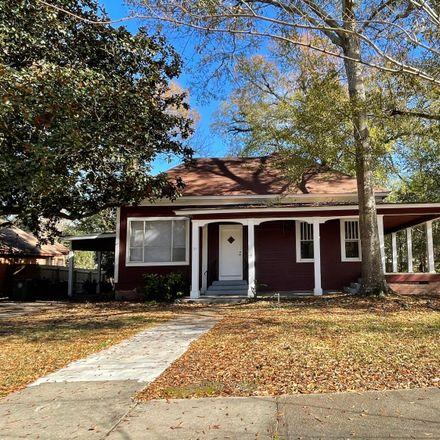 Rent this 3 bed house on 111 Pinehurst Street in Hattiesburg, MS 39401