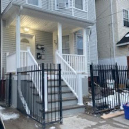 Rent this 3 bed apartment on 77 North 13th Street in Newark, NJ 07107