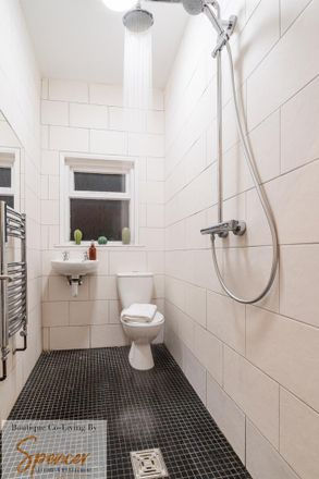Rent this 6 bed room on 105 Earlsdon Avenue North in Coventry CV5 6GA, United Kingdom