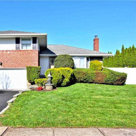 Rent this 3 bed house on 5 Joseph Court in Oyster Bay, NY 11791