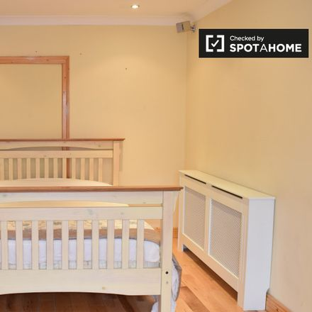 Rent this 7 bed apartment on Dublin South Superintendent Registrars District 1885 in Oldcourt Road, Firhouse Village ED