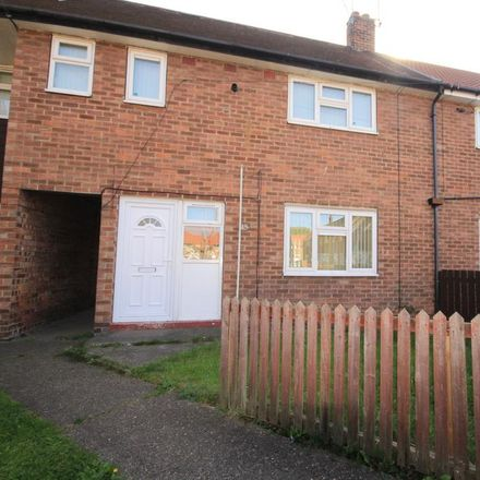 Rent this 3 bed house on Stockwell Grove in Hull HU9 5JS, United Kingdom