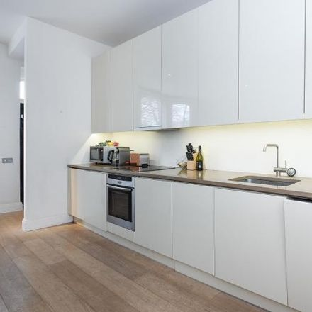 Rent this 1 bed apartment on 30 Hurlingham Road in London SW6 3RQ, United Kingdom