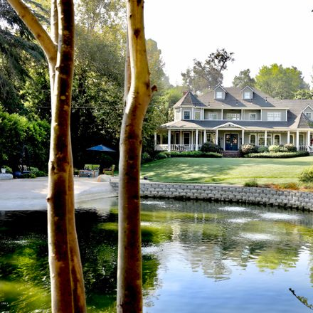 Rent this 6 bed house on 400 Rosita Lane in Pasadena, CA 91105