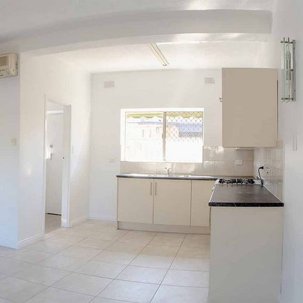 Rent this 2 bed apartment on 2/16 Sando Street