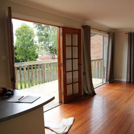 Rent this 3 bed house on Balcolyn