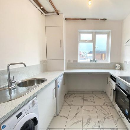Rent this 3 bed apartment on Holland And Barrett in 11 Palmerston Road, Portsmouth PO5 3QQ