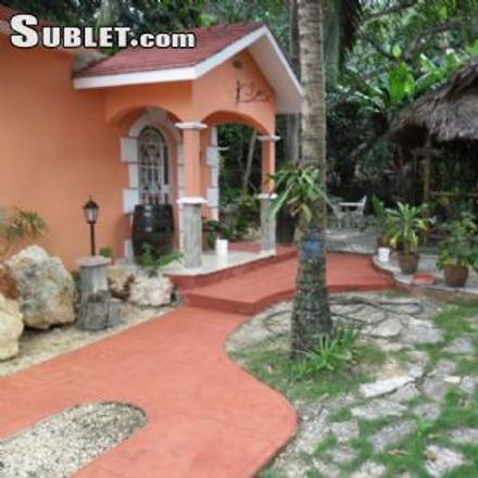 Rent this 2 bed house on Espíritu Santo (Calle 131) in Matanzas, 40200