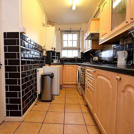 Rent this 1 bed room on 262 The Highway in London E1 0DW, United Kingdom