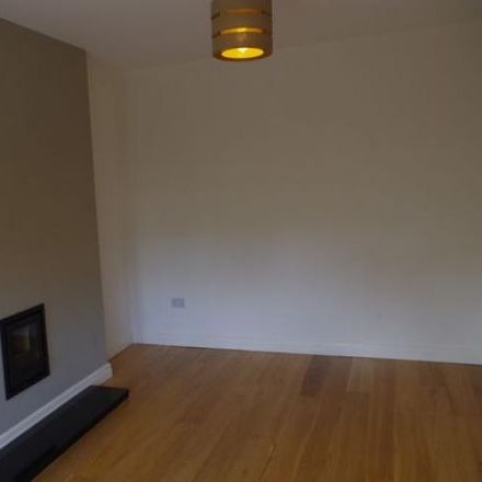 Rent this 4 bed house on Red Lion in Blackburn Road, Heapey PR6 8EU