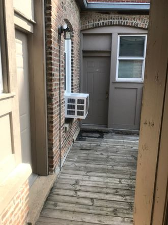 Rent this 1 bed townhouse on Wisconsin Avenue in Oak Park, IL 60302