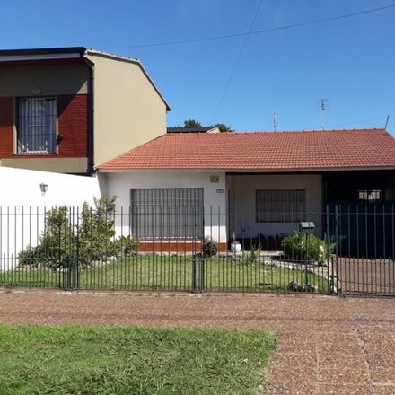Rent this 0 bed house on Laprida 3120 in Quilmes Oeste, B1879 ETH Quilmes