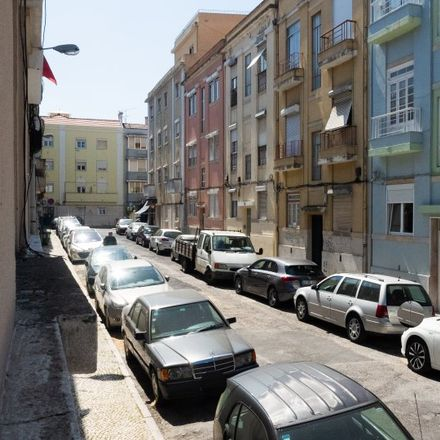Rent this 2 bed apartment on Rua Carlos Ribeiro in 1170 Lisbon, Portugal