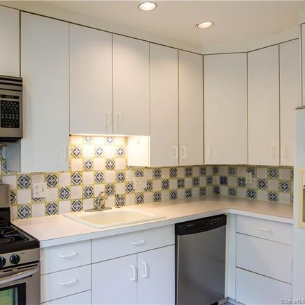 Rent this 3 bed condo on 22 North Lake Drive in Hamden, CT 06517