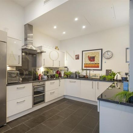 Rent this 3 bed apartment on Eustace Building in 372 Queenstown Road, London SW11 8PF