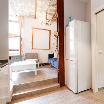 Rent this 2 bed apartment on Naluz Lámparas in Calle de Donoso Cortés, 28001 Madrid