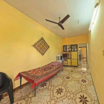Rent this 5 bed house on Akhbar nagar in Ahmedabad - 380001, Gujarat