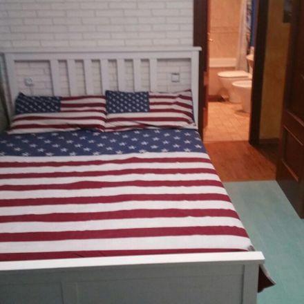 Rent this 4 bed room on Bar Restaurant Japones Koy Aji in Avinguda de Francesc Macià, 08840 Viladecans