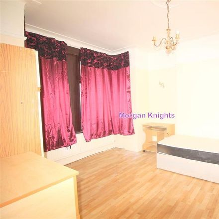Rent this 4 bed house on Lichfield Road in London E6 3LG, United Kingdom