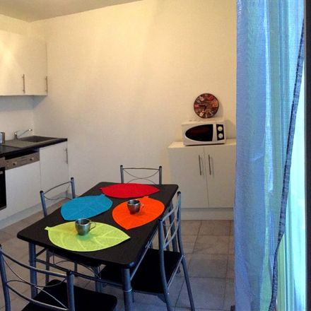 Rent this 4 bed room on Rue Roger Salengro in 42000 Saint-Étienne, France