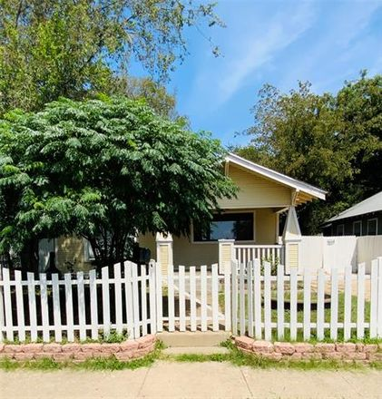 Rent this 3 bed house on 1319 East Richmond Avenue in Fort Worth, TX 76104