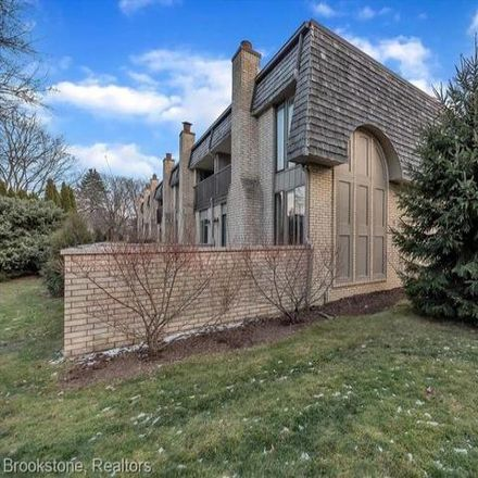 Rent this 2 bed condo on 1135 Oakwood Court in Rochester Hills, MI 48307