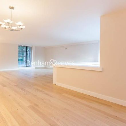 Rent this 3 bed apartment on St Regis Heights in Firecrest Drive, London NW3 7NF